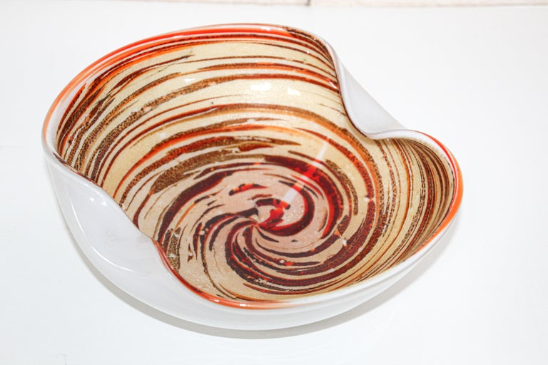 Murano Venetian Hand Blown Art Glass Ashtray by Alfredo Barbini In Good Condition For Sale In North Hollywood, CA