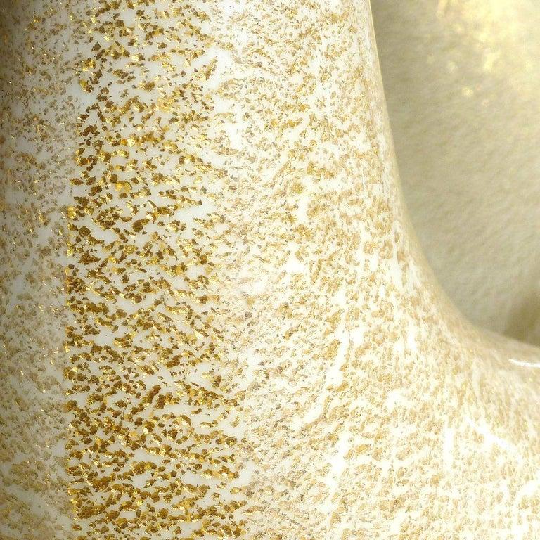 Murano White Gold Flecks Italian Art Glass Singing Duck Bird Family Sculptures In Good Condition For Sale In Kissimmee, FL