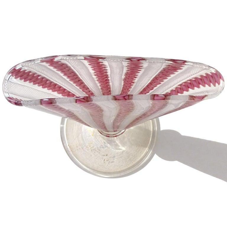 Murano White Pink Aventurine Ribbons Italian Art Glass Fan Shaped Flower Vase In Good Condition In Kissimmee, FL