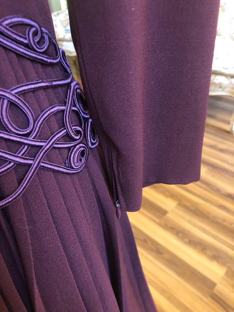 Museum Quality 1940s Jacques FATH  Aubergine Wool Crepe Dress w/Fine details In Excellent Condition For Sale In Port Hope, ON