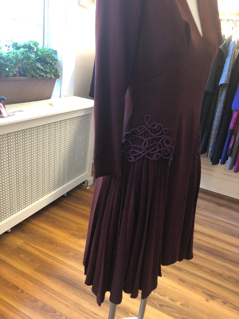 Museum Quality 1940s Jacques FATH  Aubergine Wool Crepe Dress w/Fine details For Sale 2