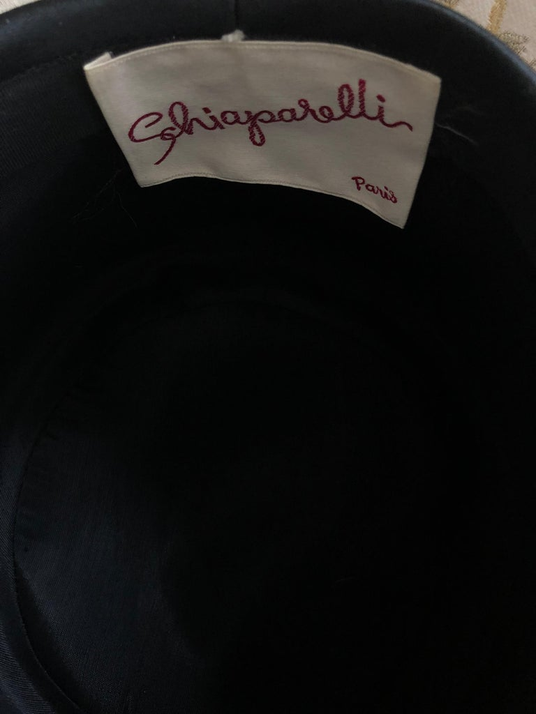 Women's Museum Quality 1950s Schiaparelli Hat For Sale