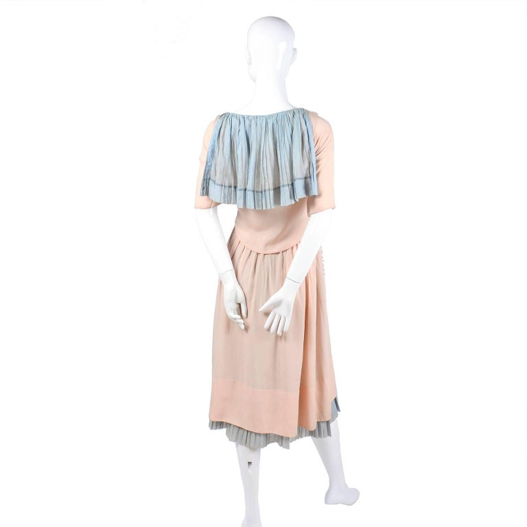 Harry Collins Vintage Blue and Pink Edwardian Dress with Mother of Pearl buttons For Sale 9