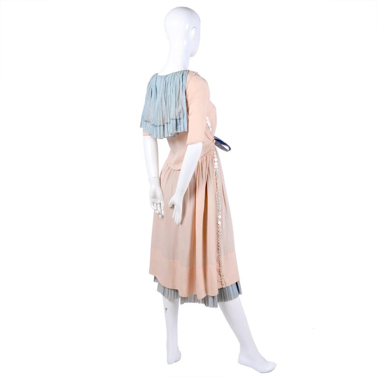 Harry Collins Vintage Blue and Pink Edwardian Dress with Mother of Pearl buttons For Sale 10