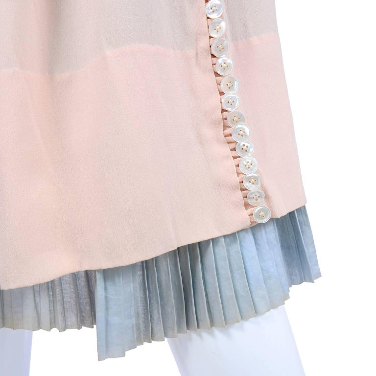Harry Collins Vintage Blue and Pink Edwardian Dress with Mother of Pearl buttons In Excellent Condition For Sale In Portland, OR