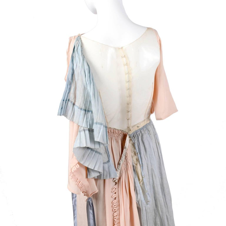 Harry Collins Vintage Blue and Pink Edwardian Dress with Mother of Pearl buttons For Sale 4