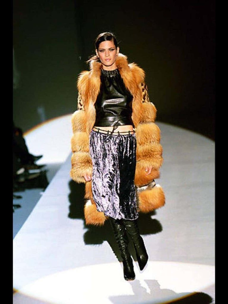 Museum Tom Ford for Gucci 2 in 1 Fur Coat Jacket F/W 1999 Runway Collection Coat can be converted to jacket in few seconds because of snap buttons along the waist - Brilliant Tom Ford Idea!!! Fully lined in black leather, Inserts leather panels on
