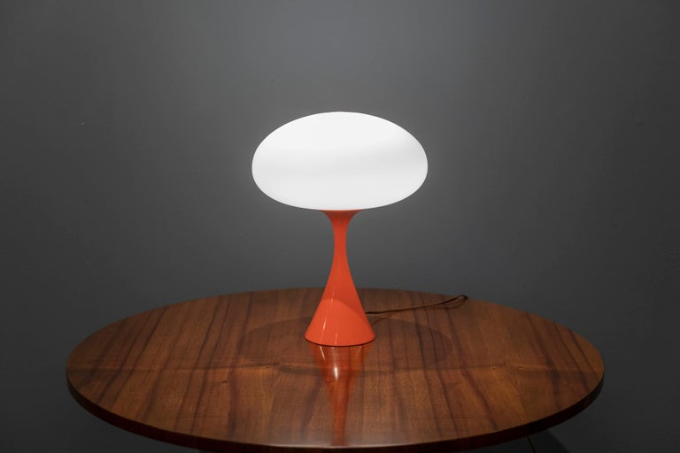 Mushroom Laurel Lamp In Good Condition For Sale In San Francisco, CA