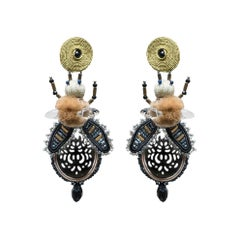Musula Afrikania Savanah Fly Black mother of pearl  Earrings w/silver closure
