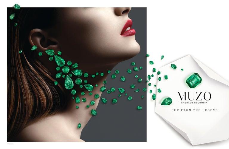 Contemporary Muzo Emerald Colombia Emerald 18K White Gold Drop Necklace For Sale