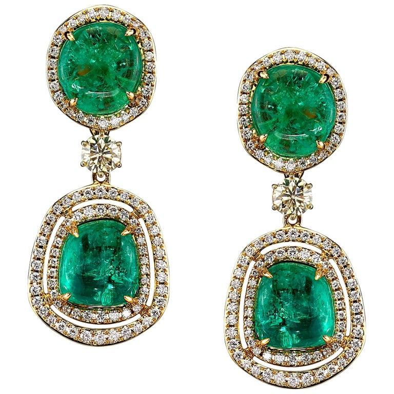 Muzo Emerald Colombia emerald, diamond and 18K yellow gold drop earrings, 2018