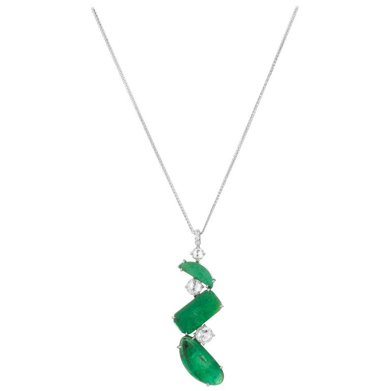 Muzo Emerald Colombia Emerald White Diamonds 18K Gold Pendant Necklace For Sale