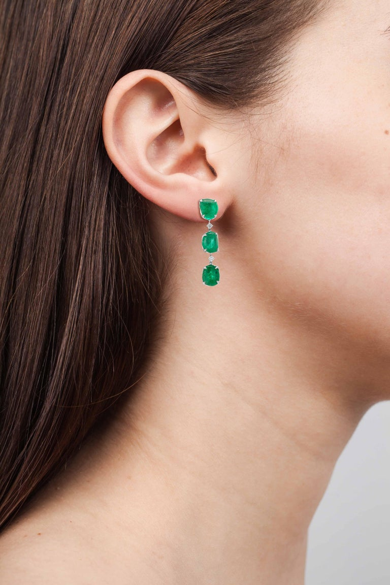 Muzo Emerald Colombia Emerald White Diamonds 18 Karat White Gold Drop Earrings In New Condition In New York, NY