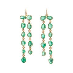 Long Drop Muzo Emerald Colombia Earrings in 18K Yellow Gold