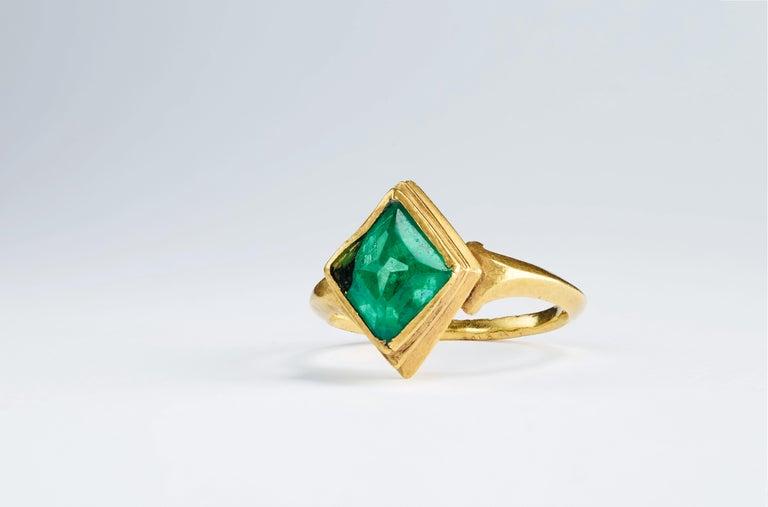Women's Muzo Emerald Colombia Emerald White Diamonds 18 Karat White Gold Drop Earrings For Sale