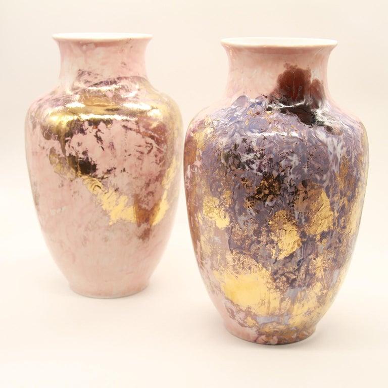 N°1 Vase Series 2 is Presented by Spazio Nobile  Sculptural vase, Limoges Porcelain glazed by Marie Corbin, or 10%.