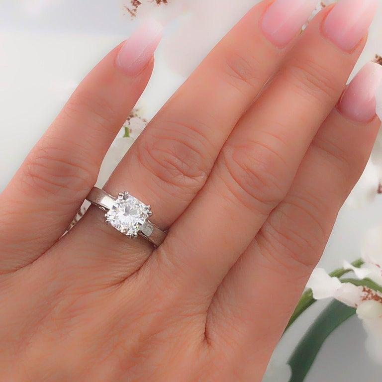 Na Hoku Cushion Cut Diamond Engagement Ring 1.97 Carat F VVS1 18 Karat Gold For Sale 8