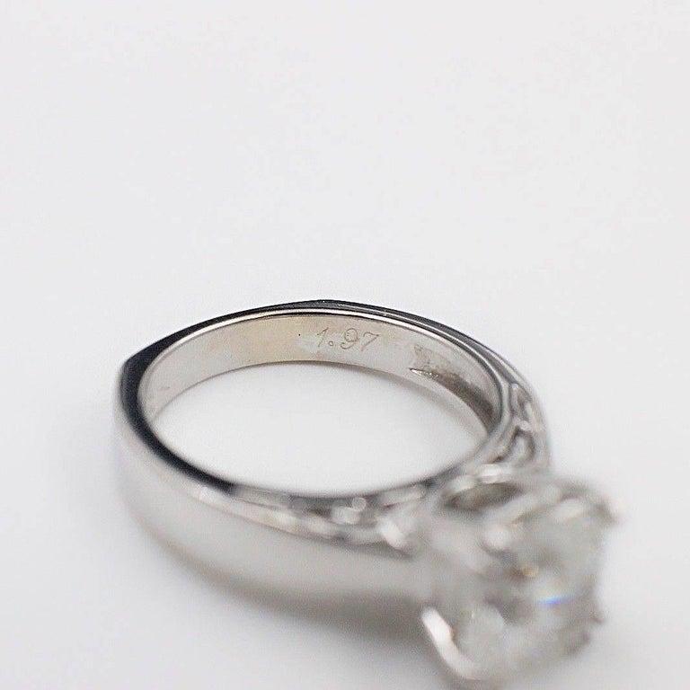 Women's Na Hoku Cushion Cut Diamond Engagement Ring 1.97 Carat F VVS1 18 Karat Gold For Sale