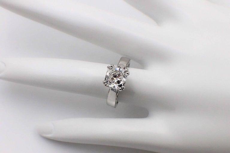 Na Hoku Cushion Cut Diamond Engagement Ring 1.97 Carat F VVS1 18 Karat Gold For Sale 2