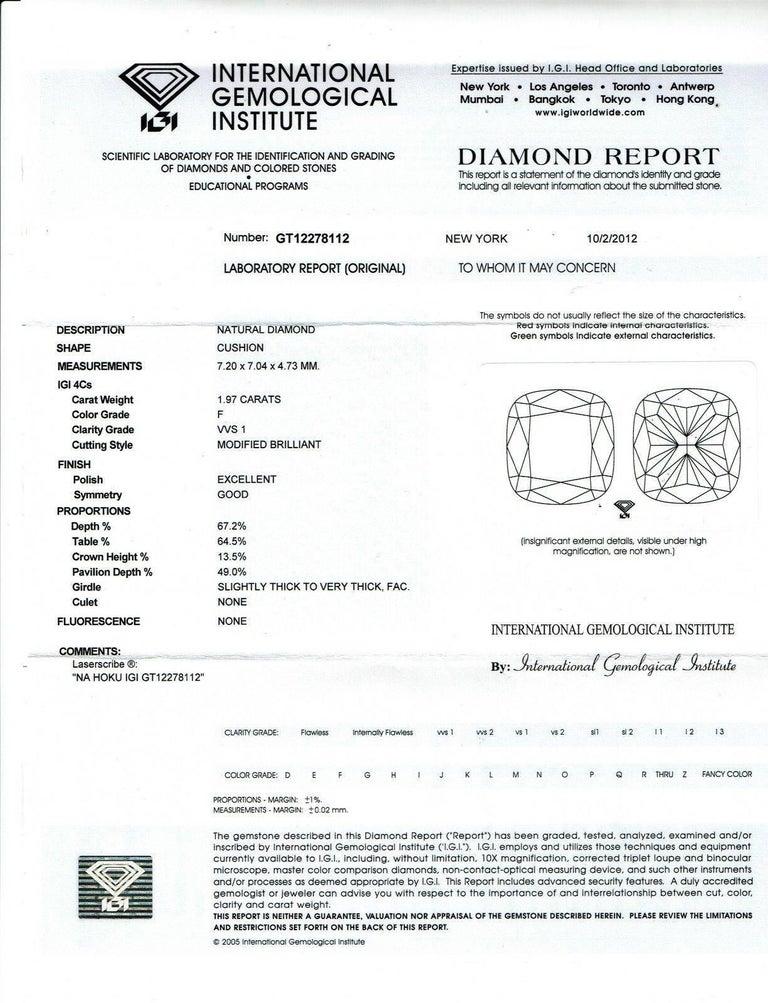 Na Hoku Cushion Cut Diamond Engagement Ring 1.97 Carat F VVS1 18 Karat Gold For Sale 5