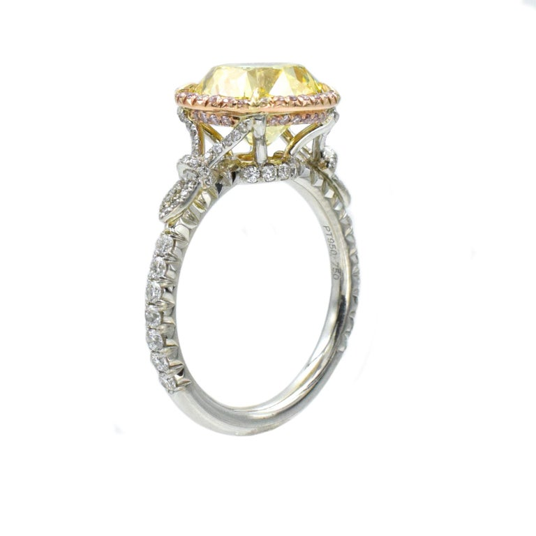 NALLY  GIA Vivid Intense Yellow Color Diamond Ring  In New Condition For Sale In New York, NY