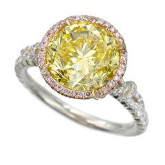 NALLY  GIA Vivid Intense Yellow Color Diamond Ring
