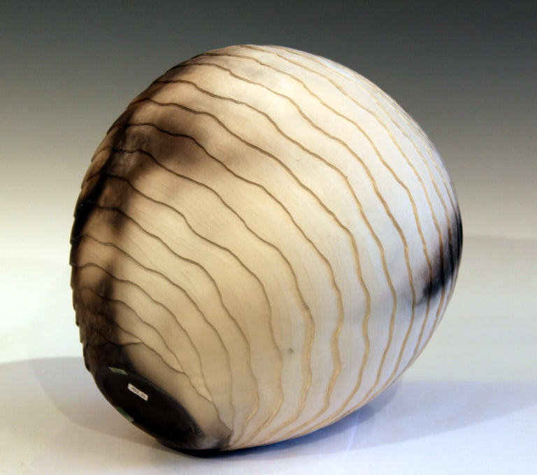 Nancee Meeker Studio Pottery Large Raku Pit Fired Organic Ledges Vase Signed In Good Condition In Wilton, CT