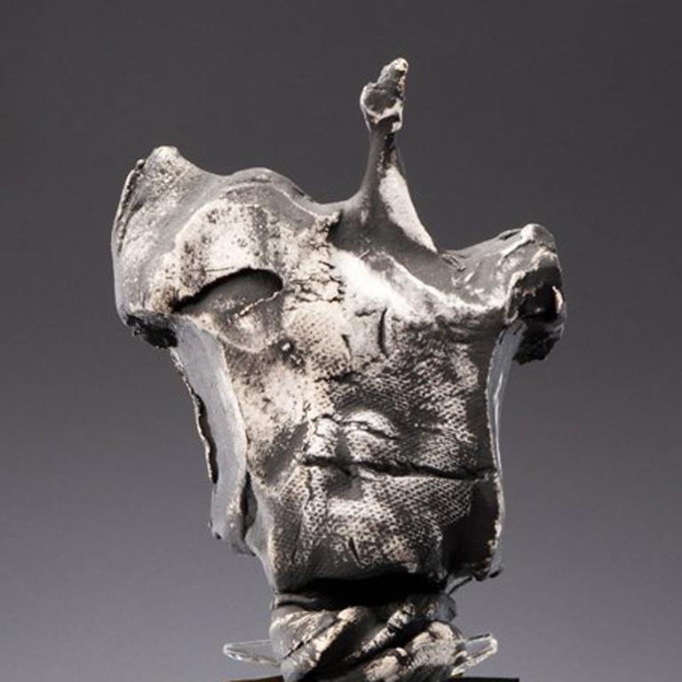 Nori (Japanese, Tradition) - Sculpture by Nancy Legge