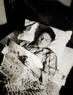 Frank Sinatra - Reading the funnies