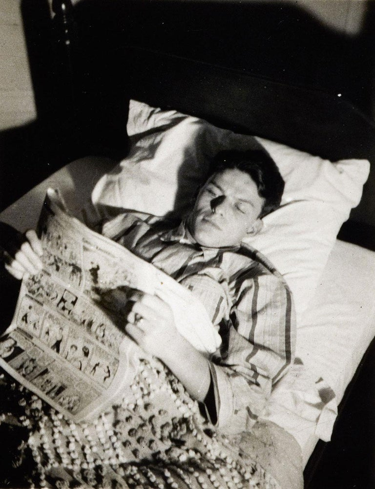 Nancy Sinatra Sr. Black and White Photograph - Frank Sinatra - Reading the funnies