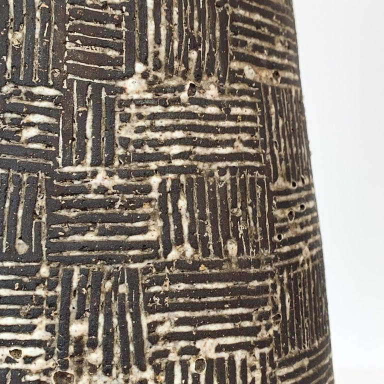 Nancy Wickham Textured Ceramic Table Lamp For Sale 3