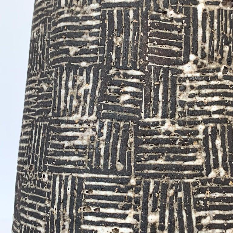 Nancy Wickham Textured Ceramic Table Lamp For Sale 4