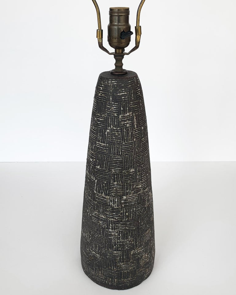 Nancy Wickham Textured Ceramic Table Lamp For Sale 7