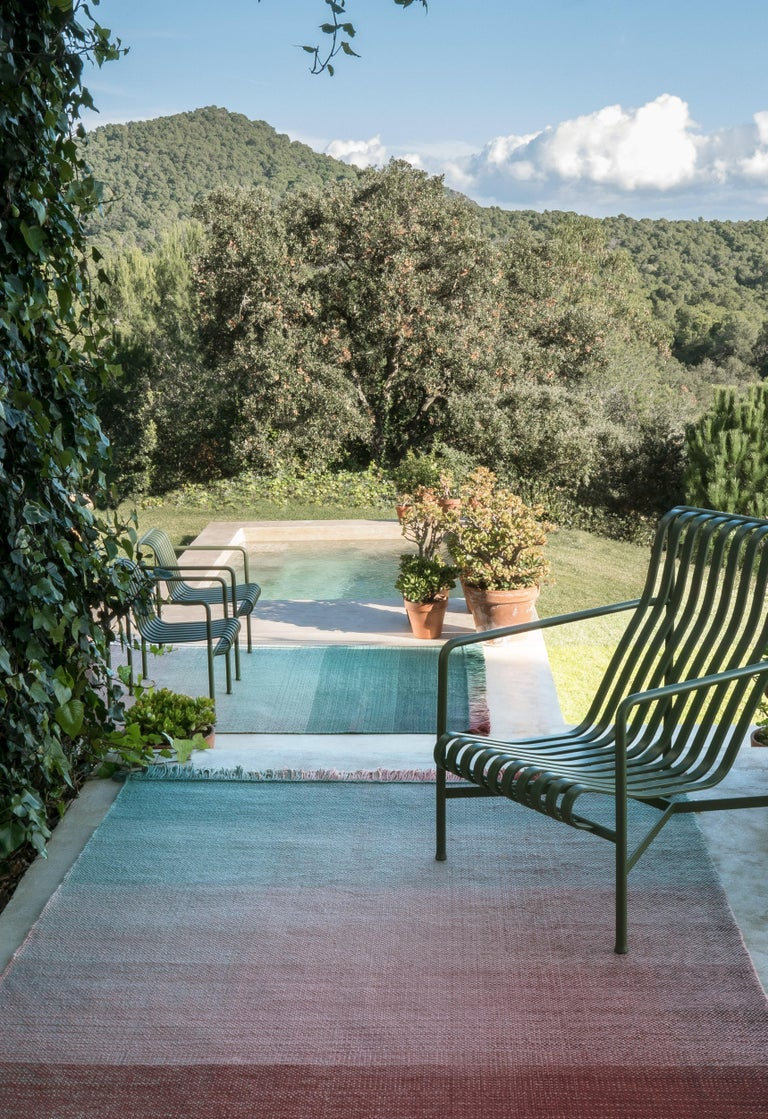 Within the new nanimarquina outdoor concept, some of the brand's most successful collections are represented such as Shade. As in the original collection, this outdoor version keeps its exquisite simplicity reflecting a complex technical process to