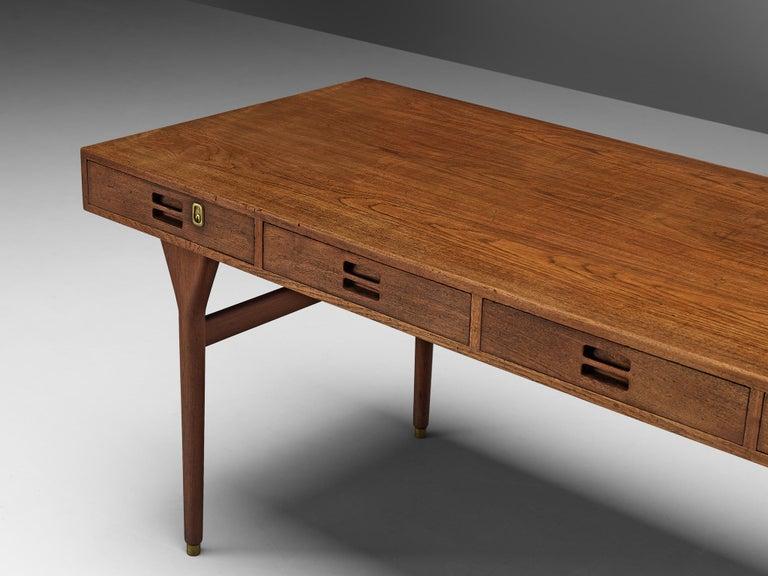 Nanna Ditzel for Søren Willadsen Møbelfabrik Desk 'ND 93' in Teak For Sale 3