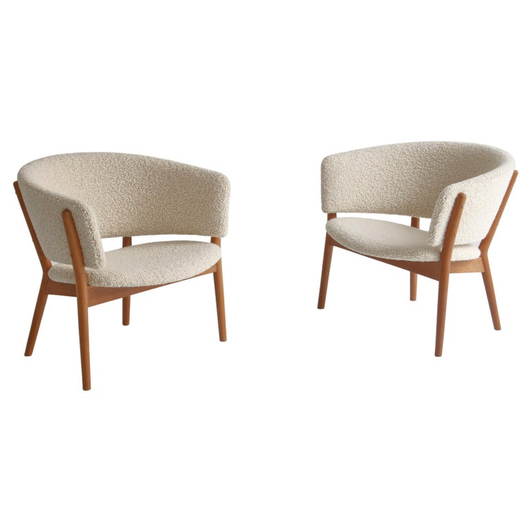 """Nanna Ditzel Set of Lounge Chairs """"Model 83"""" in White Bouclé, 1950s For Sale"""
