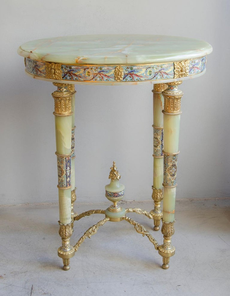 Napoleon III Center Table In Good Condition For Sale In Buenos Aires, Argentina
