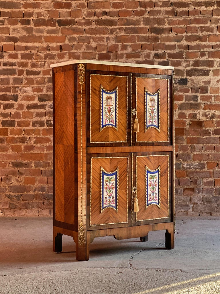 Napoleon III French Cabinet Escritoire Kingwood and Rosewood, France, 1890 In Good Condition For Sale In Longdon, Tewkesbury