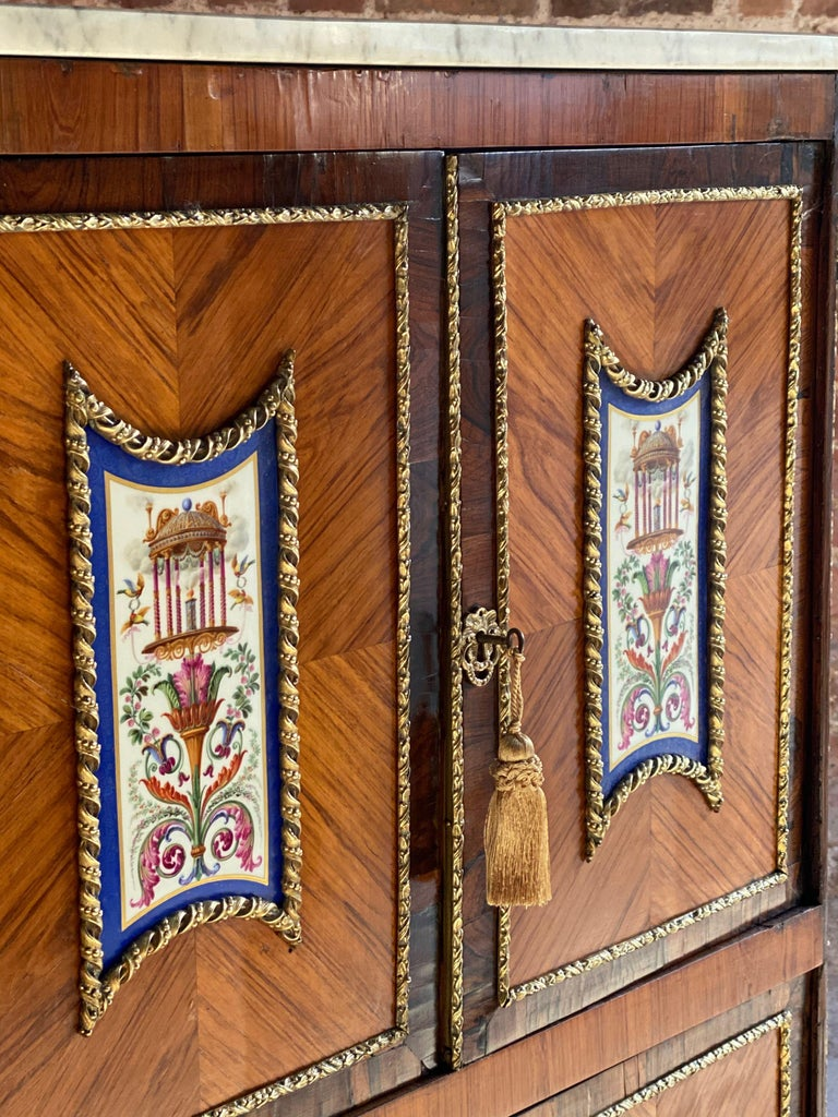 Napoleon III French Cabinet Escritoire Kingwood and Rosewood, France, 1890 For Sale 4