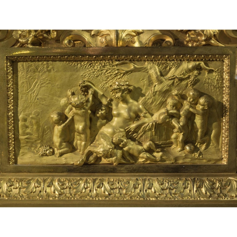 Napoleon III Ormolu and Patinated Bronze Figural Mantel Clock In Good Condition For Sale In New York, NY