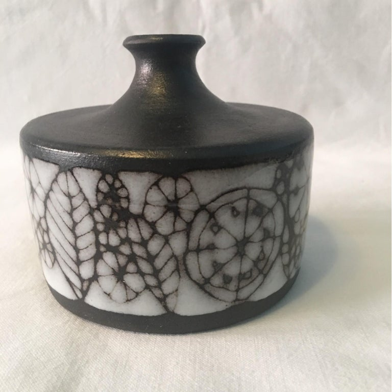 Mid-20th Century Narrow Neck Ceramic Vase by Wilhelm and Elly Kuch of Germany For Sale