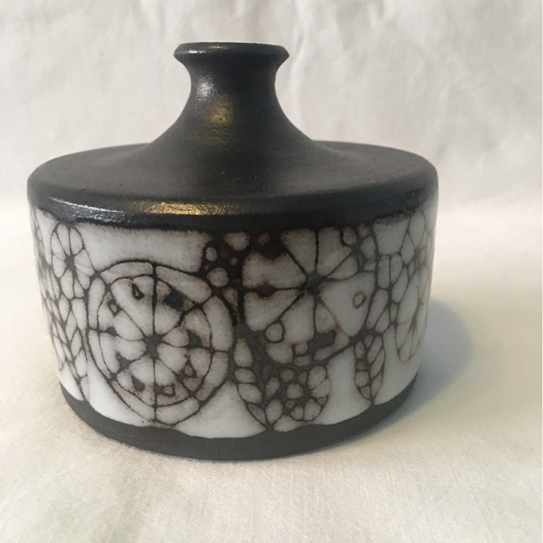 Narrow Neck Ceramic Vase by Wilhelm and Elly Kuch of Germany For Sale 1