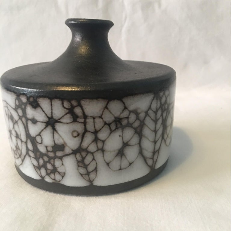 Narrow Neck Ceramic Vase by Wilhelm and Elly Kuch of Germany For Sale 5