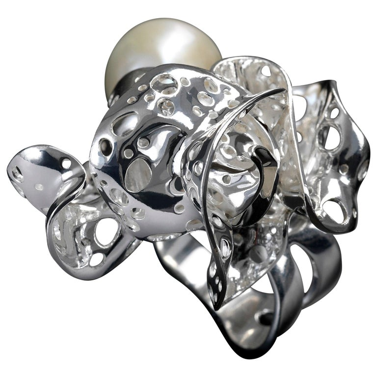 Nathalie Jean Contemporary Freshwater Pearl Sterling Silver Cocktail Ring For Sale