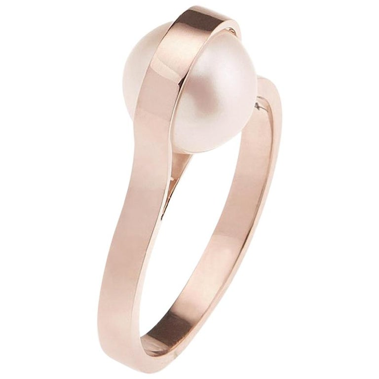 Nathalie Jean Contemporary Japanese Cultured Pearl 18 Karat Rose Gold Ring For Sale