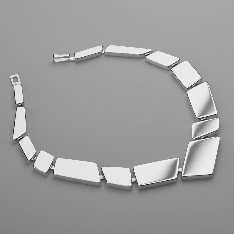 Women's or Men's Nathalie Jean Contemporary Sterling Silver Limited Edition Link Necklace For Sale