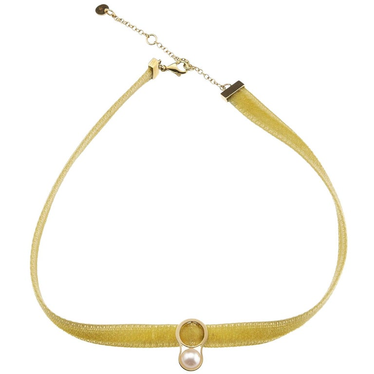 Nathalie Jean Contemporary Pearl 18 Karat Yellow Gold Velvet Choker Necklace For Sale