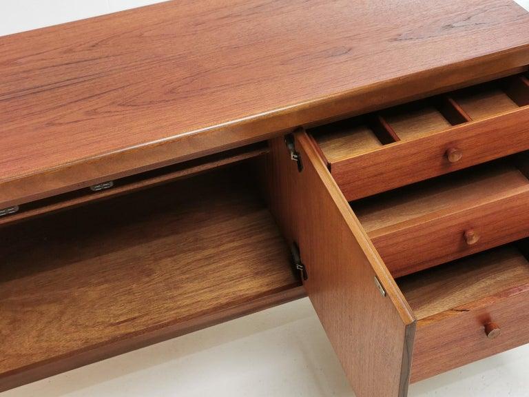 Mid-Century Modern Nathan Circles Midcentury Teak Sideboard 1960s-1970s Vintage