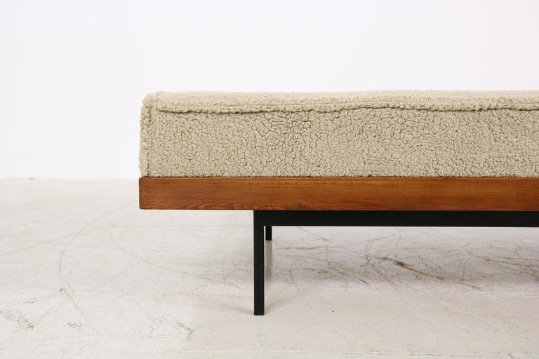 Nathan Lindberg Daybed Mod. 31 Larch Wood, Teak, Tufted, Teddy Fur and Leather In Excellent Condition In Hamminkeln, DE
