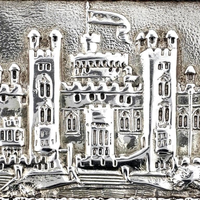 Nathaniel Mills Victorian Silver Gilt Castle-Top Vinaigrette, Windsor Castle For Sale 3